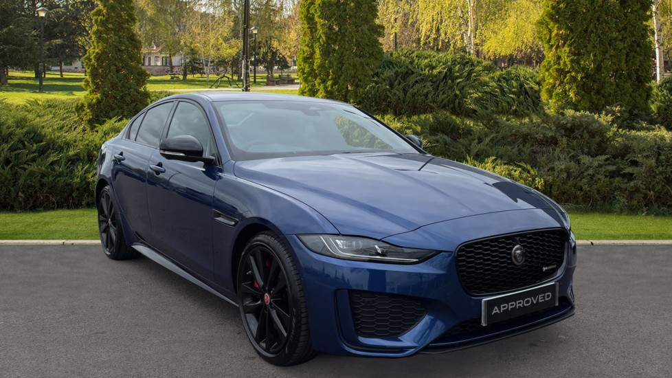 Jaguar XE 2.0 D200 R-Dynamic Black 4dr Diesel Automatic 5 door Saloon