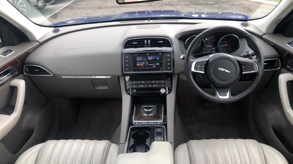 Jaguar F-PACE 2.0d Portfolio 5dr AWD image 9