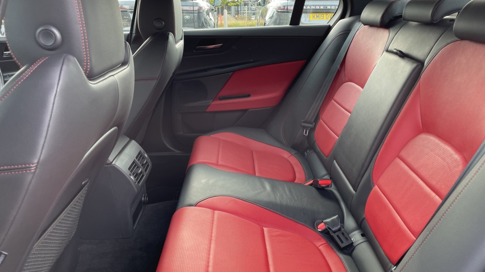 Jaguar XE 2.0 [250] R-Sport Heated front seats - Privacy glass image 4