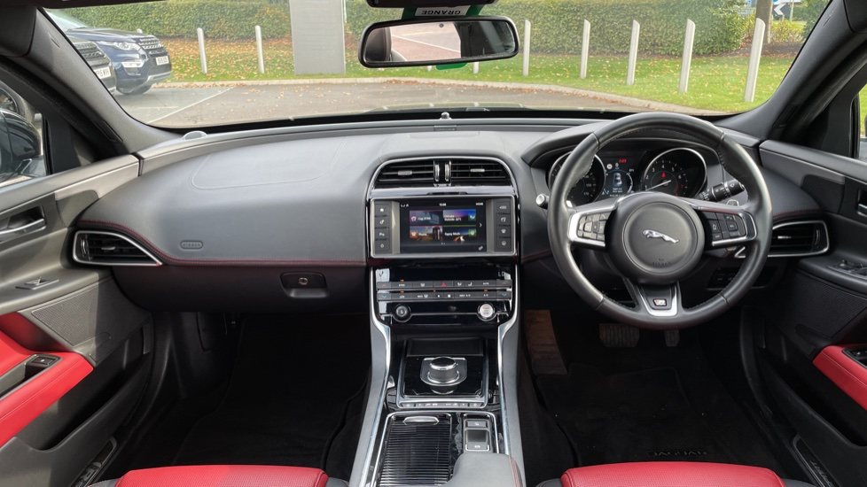 Jaguar XE 2.0 [250] R-Sport Heated front seats - Privacy glass image 9