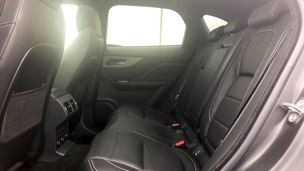 Jaguar F-PACE 3.0d V6 S 5dr AWD image 4