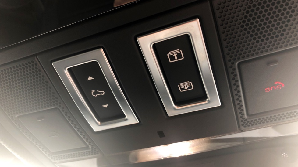 Jaguar F-PACE 3.0d V6 S 5dr AWD image 18