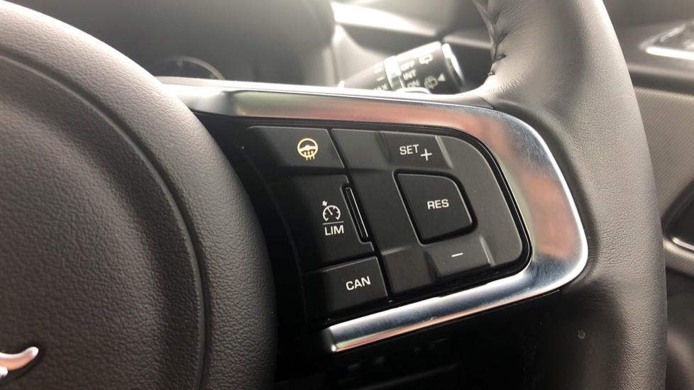 Jaguar F-PACE 3.0d V6 S 5dr AWD image 20