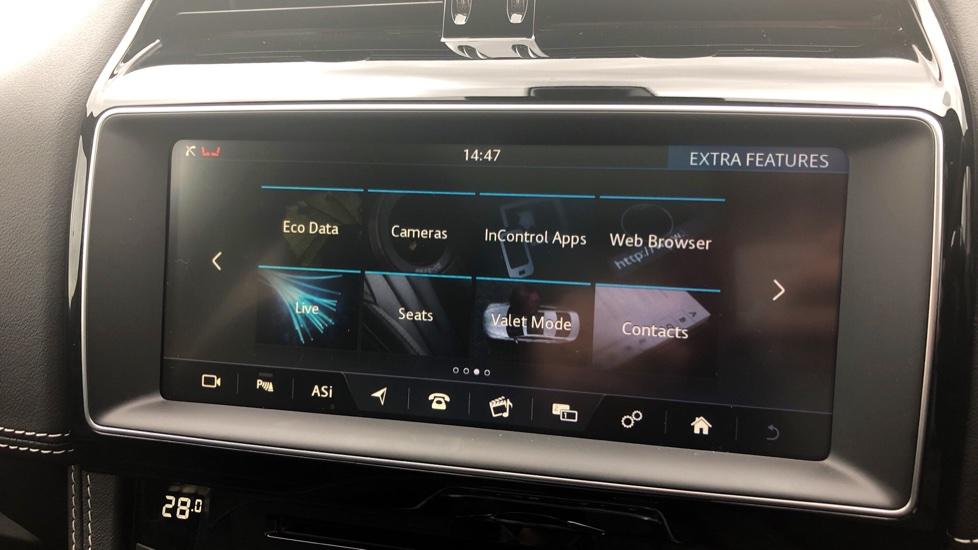 Jaguar F-PACE 3.0d V6 S 5dr AWD image 27