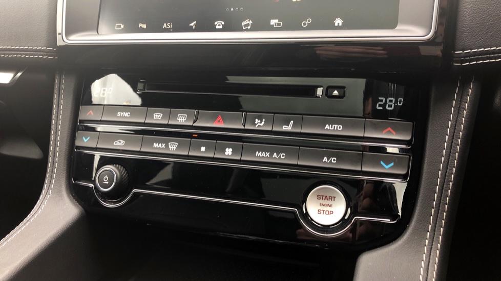 Jaguar F-PACE 3.0d V6 S 5dr AWD image 30