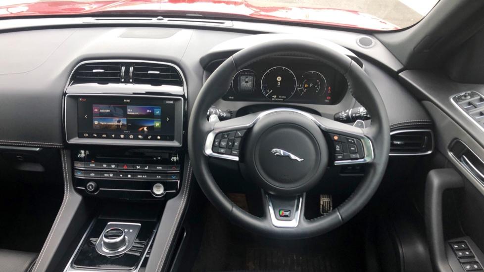 Jaguar F-PACE 3.0d V6 S 5dr AWD image 35