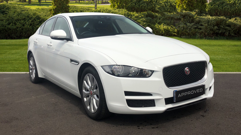 Jaguar XE 2.0d SE Diesel Automatic 4 door Saloon (2017)