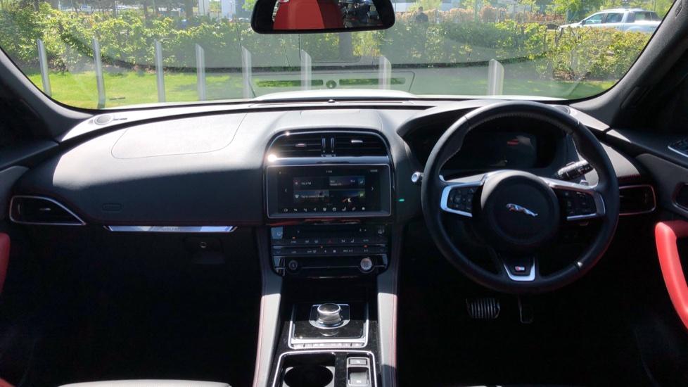 Jaguar F-PACE 3.0 Supercharged V6 S 5dr AWD image 9