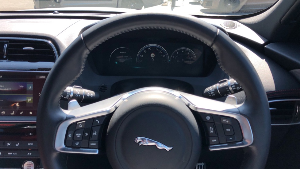 Jaguar F-PACE 3.0 Supercharged V6 S 5dr AWD image 19
