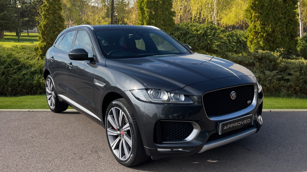 Jaguar F-PACE 3.0d V6 S 5dr AWD [Heated Seats] [Climate Control] Diesel Automatic 4x4 (2016) at Oldham Motors Citroen, Fiat and Jeep thumbnail image