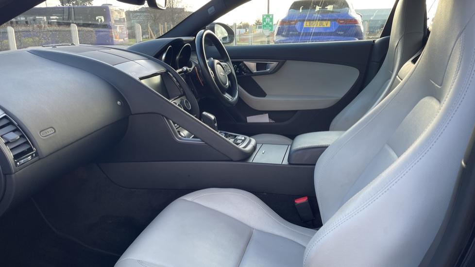 Jaguar F-TYPE 3.0 Supercharged V6 S 2dr AWD image 4