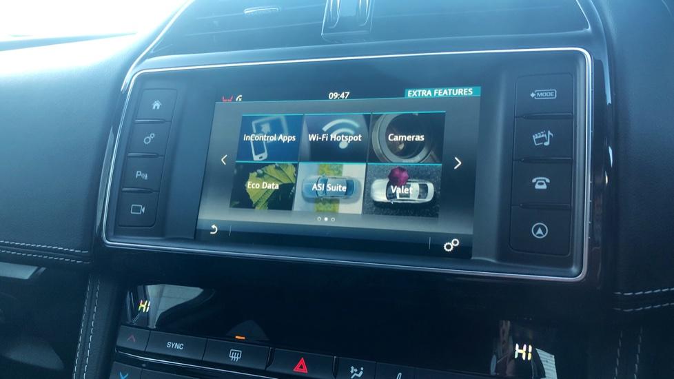 Jaguar F-PACE 2.0d R-Sport 5dr AWD image 21