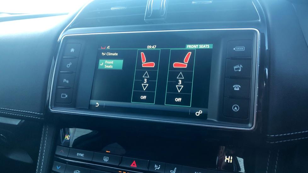 Jaguar F-PACE 2.0d R-Sport 5dr AWD image 22