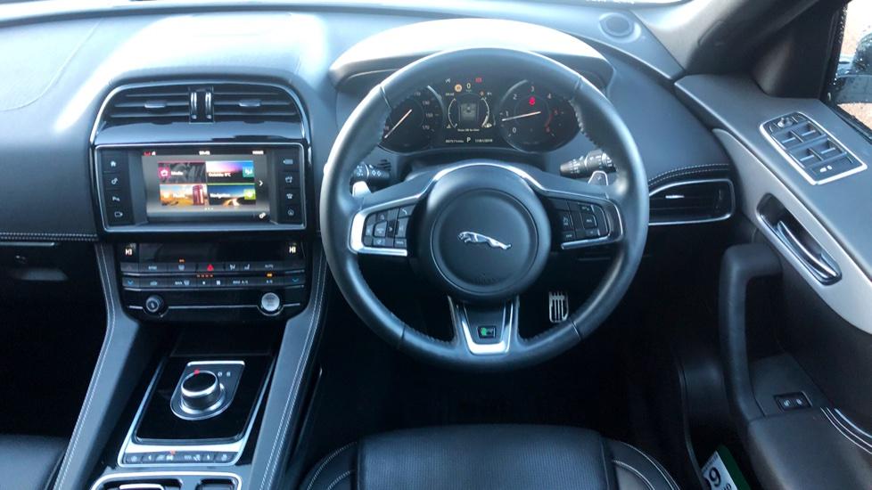 Jaguar F-PACE 2.0d R-Sport 5dr AWD image 26