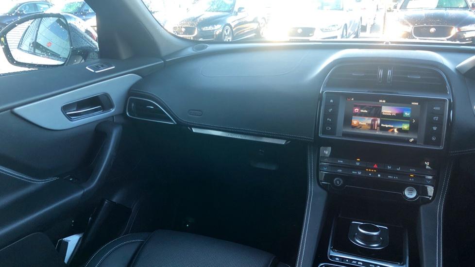 Jaguar F-PACE 2.0d R-Sport 5dr AWD image 27