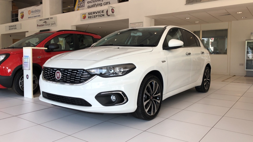 Fiat Tipo 1.4 Lounge (More Pack) SPECIAL EDITIONS 5 door Hatchback