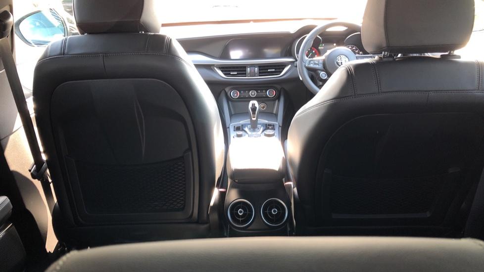Alfa Romeo Stelvio 2.2 D 210 Veloce 5dr Auto image 9