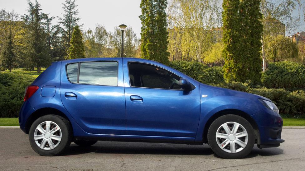 Dacia Sandero 1.2 16V Laureate 5dr image 5