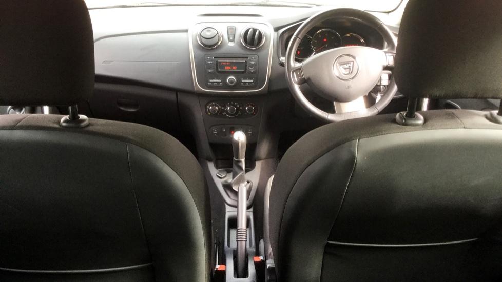 Dacia Sandero 1.2 16V Laureate 5dr image 9