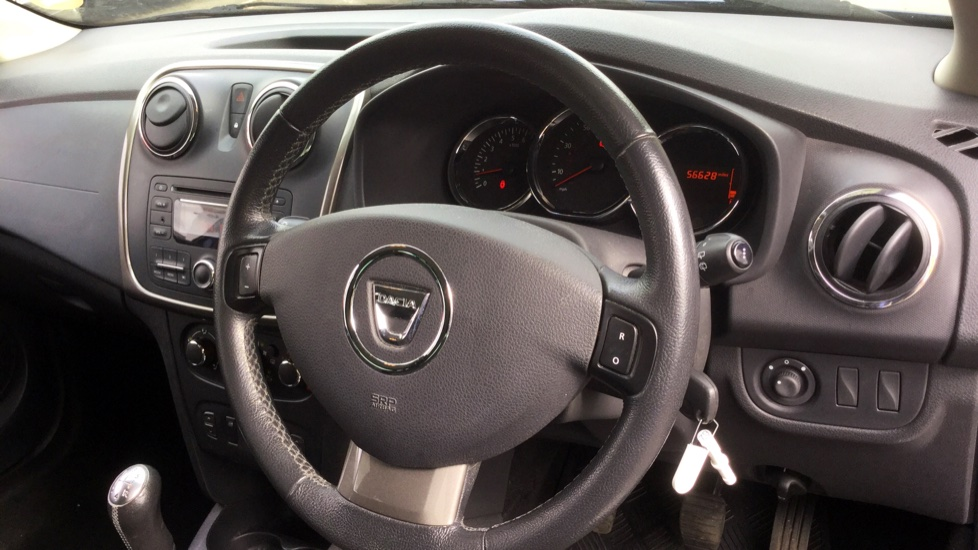 Dacia Sandero 1.2 16V Laureate 5dr image 13