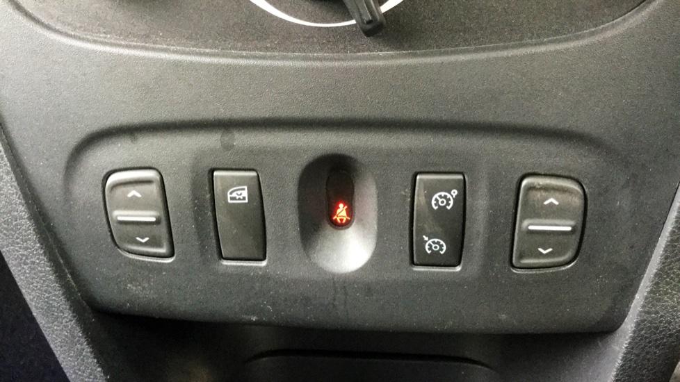 Dacia Sandero 1.2 16V Laureate 5dr image 18