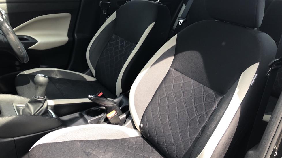 Nissan Micra 0.9 IG-T Acenta 5dr - Bluetooth & Apple CarPlay image 3