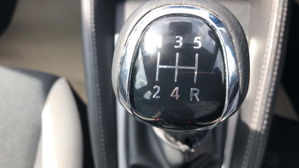 Nissan Micra 0.9 IG-T Acenta 5dr - Bluetooth & Apple CarPlay image 15