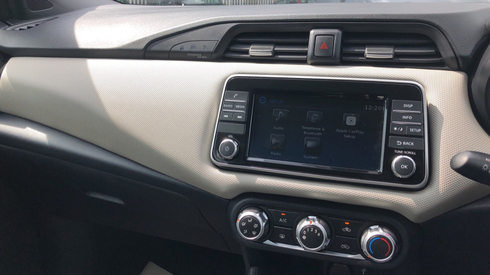 Nissan Micra 0.9 IG-T Acenta 5dr - Bluetooth & Apple CarPlay image 21