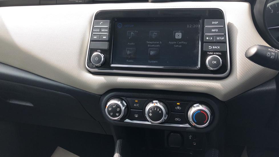 Nissan Micra 0.9 IG-T Acenta 5dr - Bluetooth & Apple CarPlay image 22