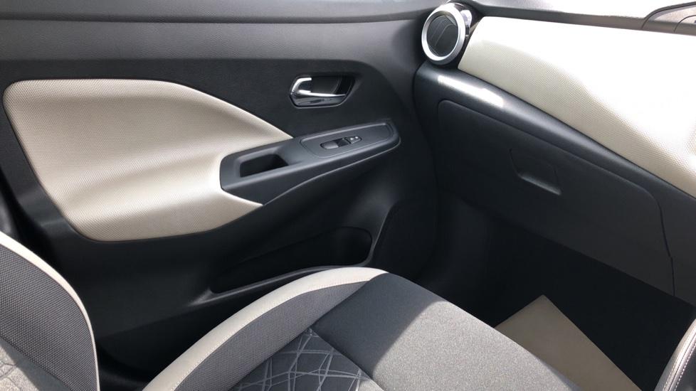 Nissan Micra 0.9 IG-T Acenta 5dr - Bluetooth & Apple CarPlay image 24