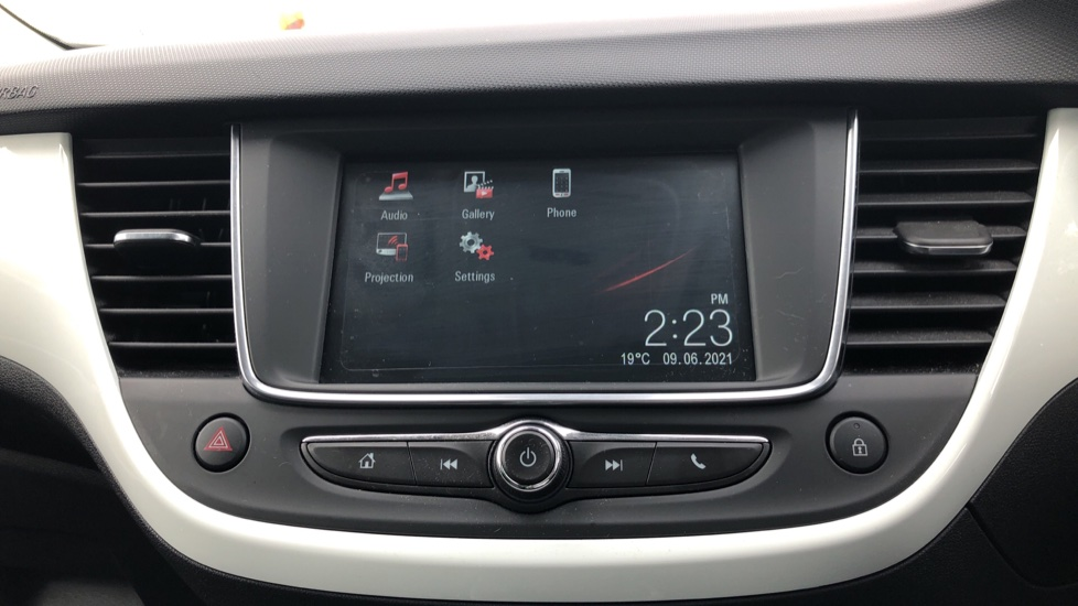 Vauxhall Crossland X 1.2T [110] Griffin [6 Spd] [Start Stop] - Cruise Control, Apple CarPlay & Android Auto image 17