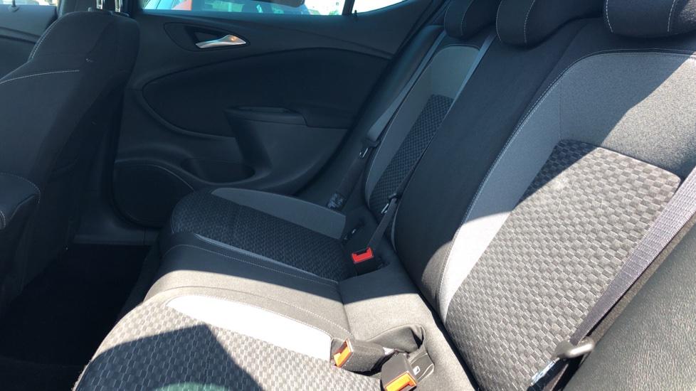 Vauxhall Astra 1.2 Turbo 145 SRi VX-Line Nav 5dr - Satellite Navigation, Parking Sensors & DAB Radio image 4