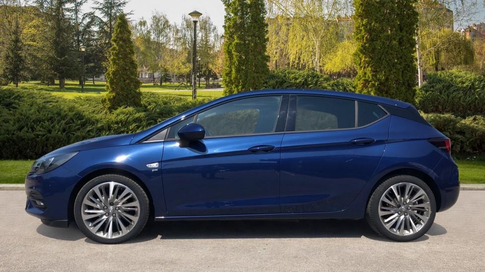 Vauxhall Astra 1.2 Turbo 145 SRi VX-Line Nav 5dr - Satellite Navigation, Parking Sensors & DAB Radio image 5