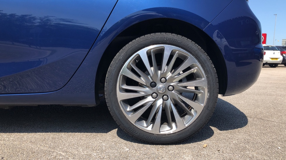Vauxhall Astra 1.2 Turbo 145 SRi VX-Line Nav 5dr - Satellite Navigation, Parking Sensors & DAB Radio image 8