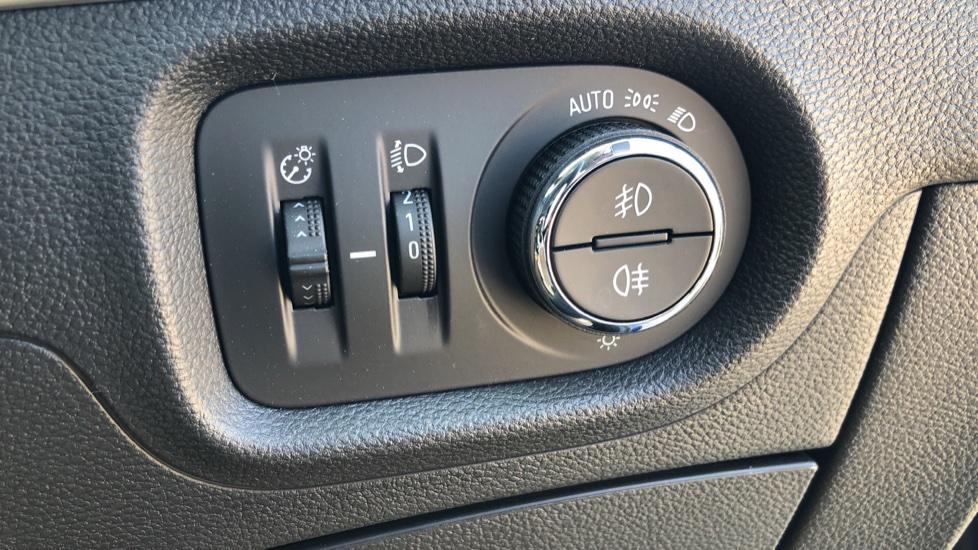 Vauxhall Astra 1.2 Turbo 145 SRi VX-Line Nav 5dr - Satellite Navigation, Parking Sensors & DAB Radio image 14