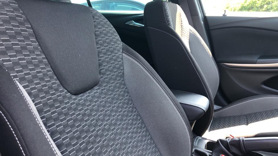 Vauxhall Astra 1.2 Turbo 145 SRi VX-Line Nav 5dr - Satellite Navigation, Parking Sensors & DAB Radio image 34