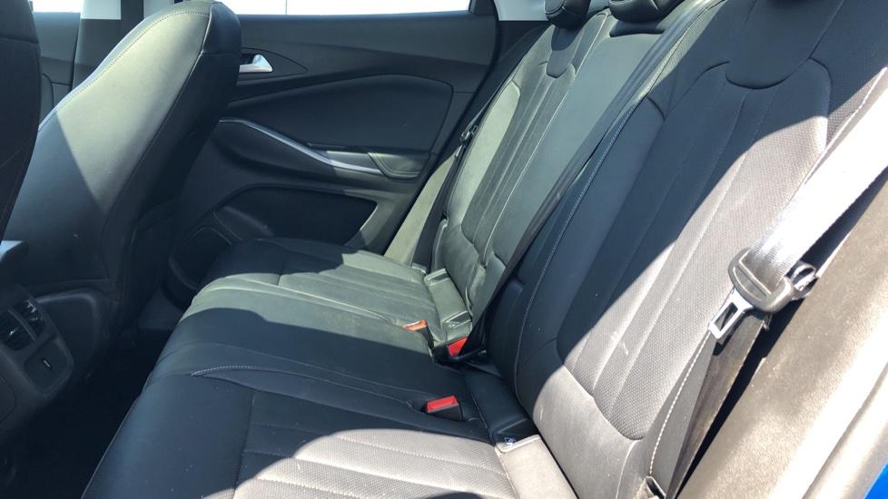 Vauxhall Grandland X Elite Nav - Panoramic Sunroof, Satellite Navigation & Parking Sensors image 4