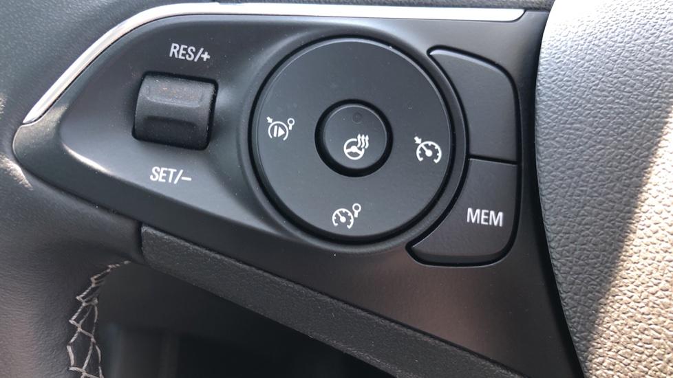 Vauxhall Grandland X Elite Nav - Panoramic Sunroof, Satellite Navigation & Parking Sensors image 15