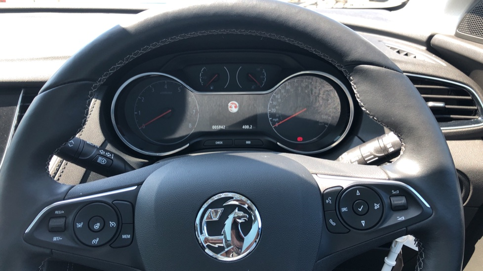Vauxhall Grandland X Elite Nav - Panoramic Sunroof, Satellite Navigation & Parking Sensors image 17