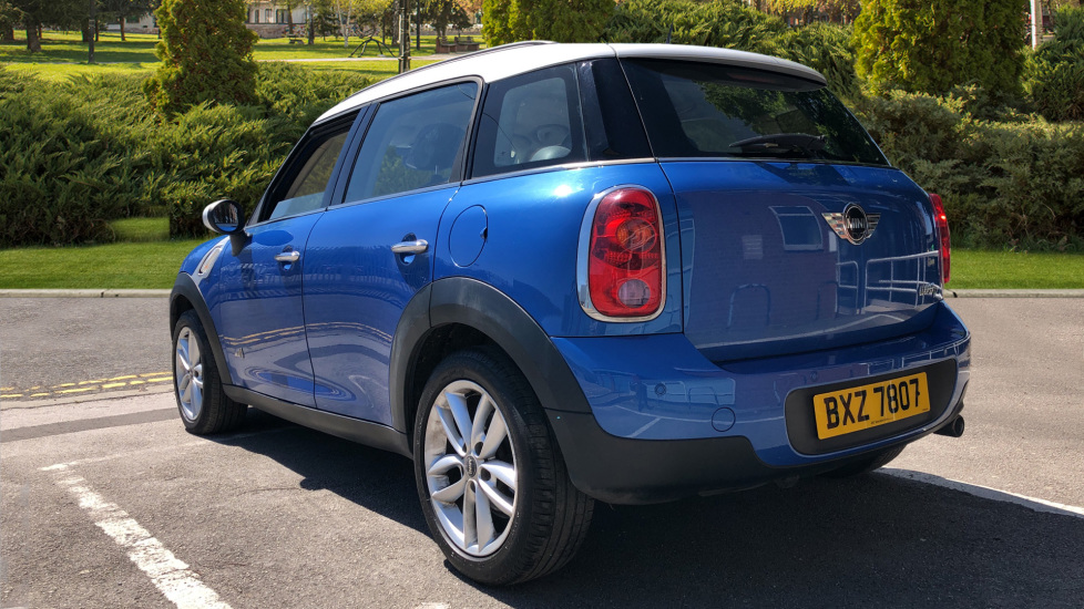 Mini Countryman 1.6 Cooper D ALL4 5dr image 2