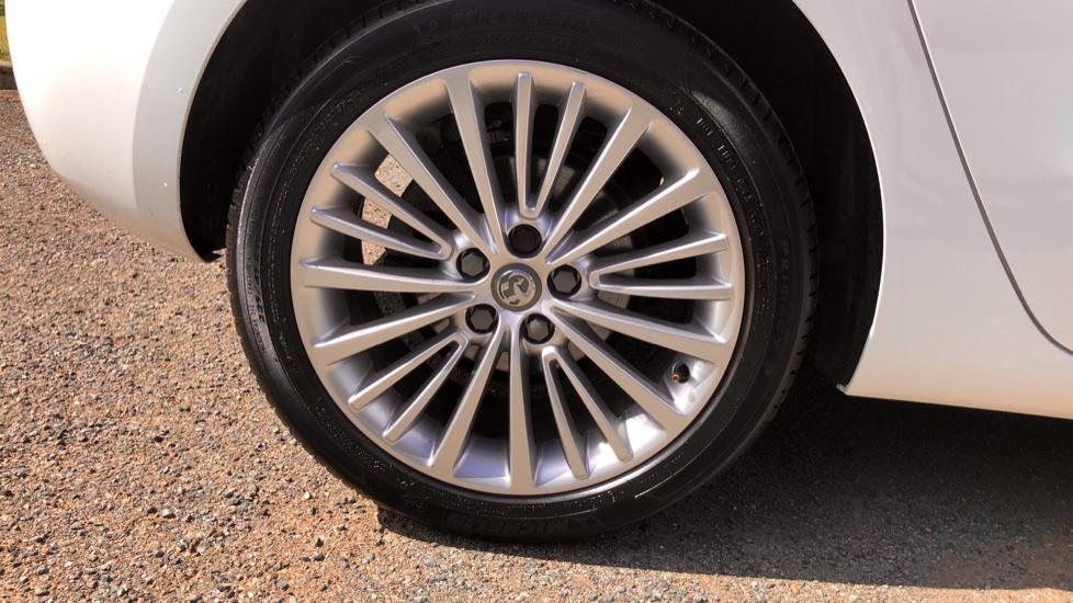 Vauxhall Astra 1.6 CDTi 16V 136 Elite Nav 5dr image 12