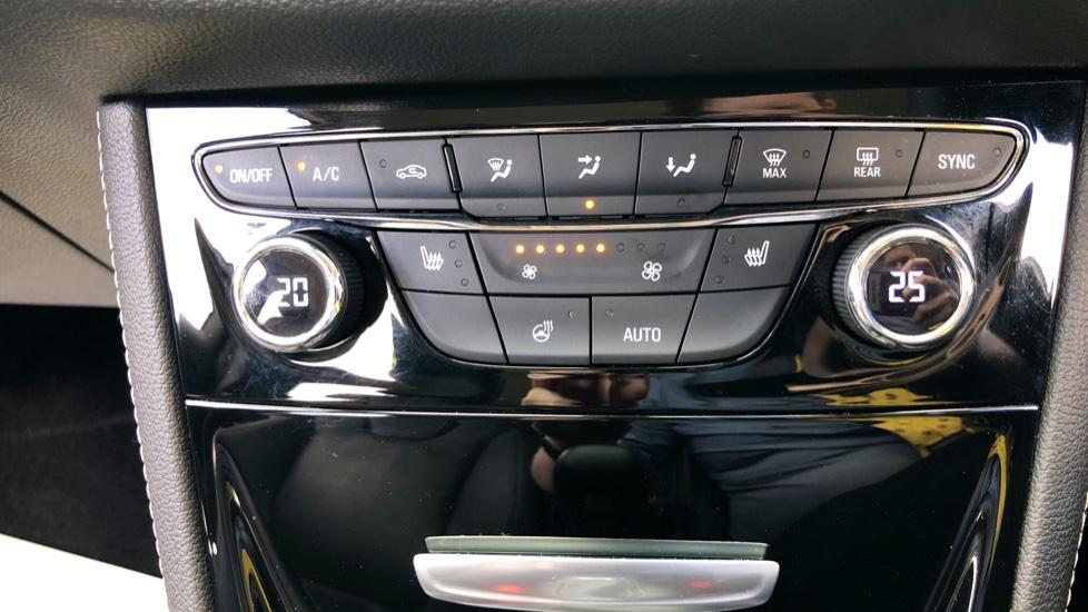 Vauxhall Astra 1.6 CDTi 16V 136 Elite Nav 5dr image 24