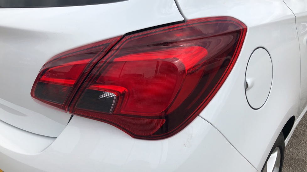 Vauxhall Corsa 1.4 SRi Vx-line 5dr image 12