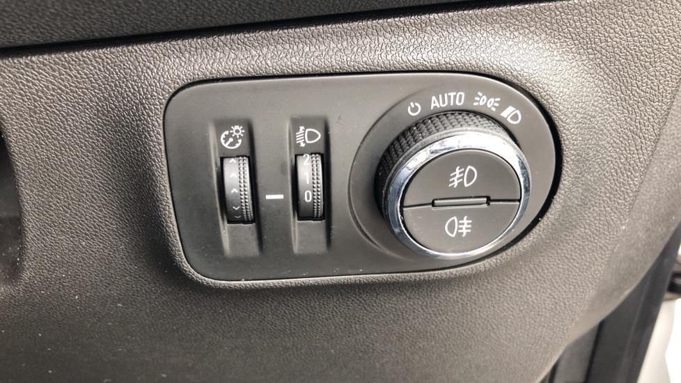 Vauxhall Corsa 1.4 SRi Vx-line 5dr image 15