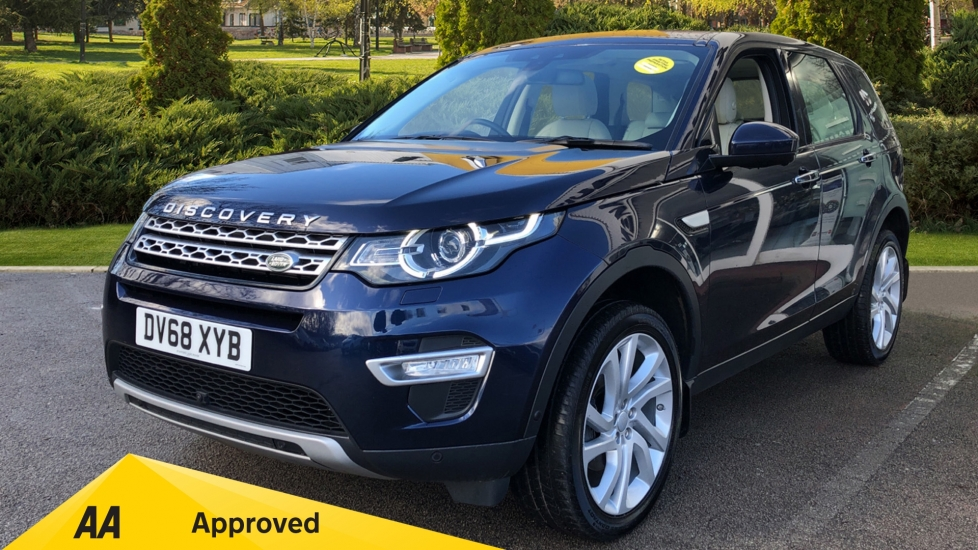 Land Rover Discovery Sport 2.0 TD4 180 HSE Luxury 5dr Diesel Automatic Estate (2018) image