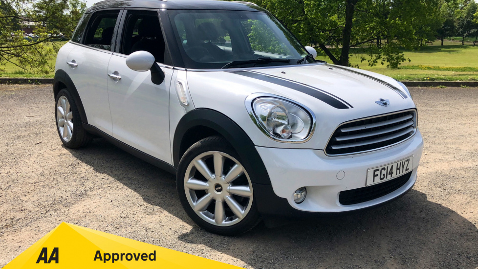 Mini Countryman 1.6 Cooper D 5dr with CHILI Pack and 18-inch Alloys  Diesel Hatchback (2014) image