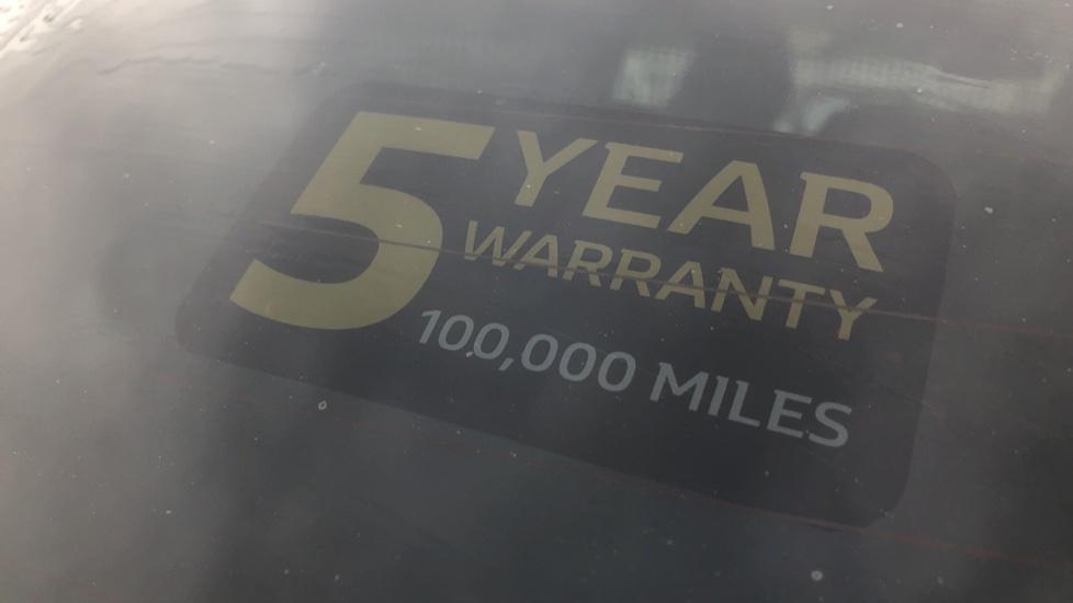 Renault Captur 1.0 TCE 100 Iconic 5dr with Parking Sensors, Sat Nav & Lane Departure Warning image 11
