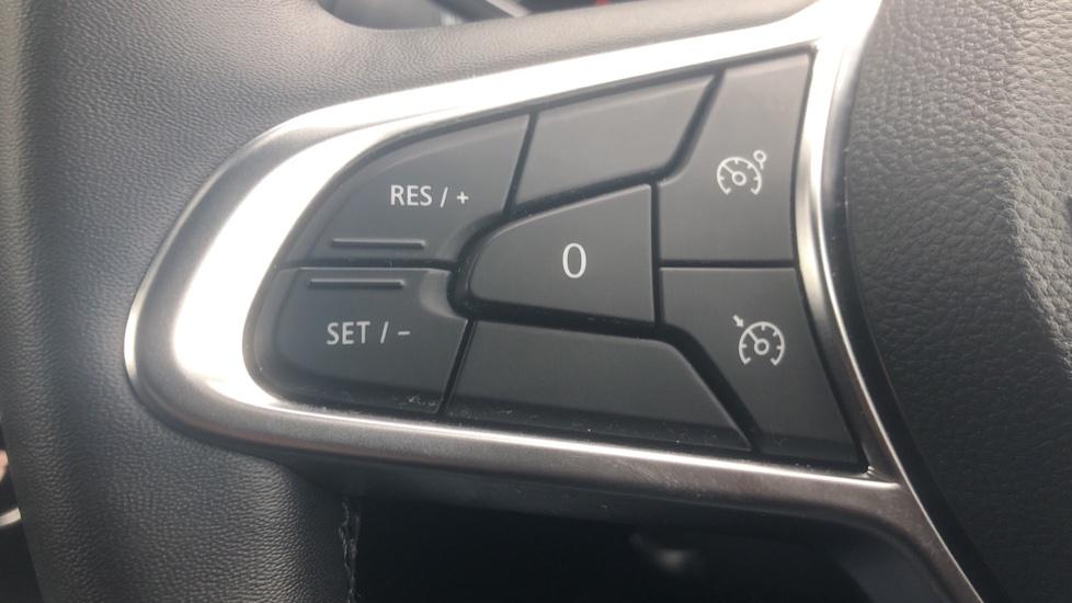 Renault Captur 1.0 TCE 100 Iconic 5dr with Parking Sensors, Sat Nav & Lane Departure Warning image 15