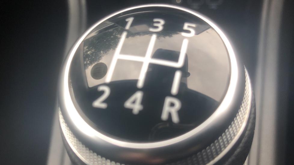 Renault Captur 1.0 TCE 100 Iconic 5dr with Parking Sensors, Sat Nav & Lane Departure Warning image 16
