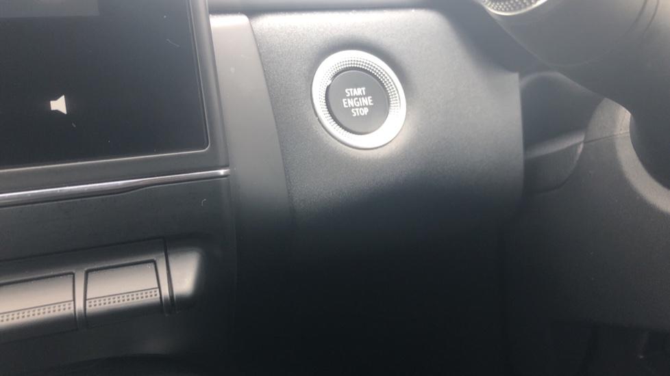 Renault Captur 1.0 TCE 100 Iconic 5dr with Parking Sensors, Sat Nav & Lane Departure Warning image 18